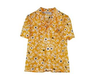 Pussybow Blouse – Yellow Tie Collar FLOWER POWER TOP Dainty Shirt Blouse Romantic Blouse Pussycat 1970s 70s Top Brady Bunch Medium Large