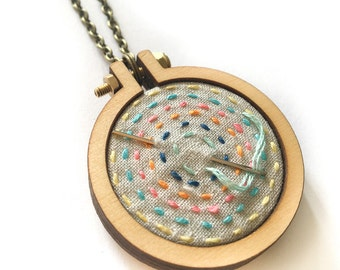 makeforgood - DIY Mini Embroidery Kit - STITCH a brighter future! design - Make It Yourself and frame it in a Dandelyne™ mini hoop