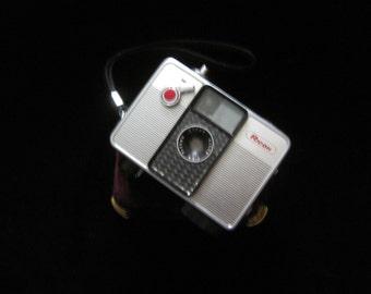 Ricoh Auto Half Vintage Camera Japan SE 35mm Film Half Frame Point & Shoot Camera