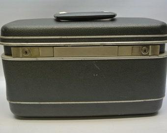 Gray Samsonite train case - excellent condition