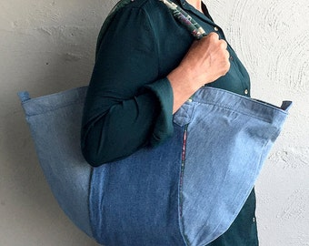 Halfmoon Big-Bag in denim with green floral lining