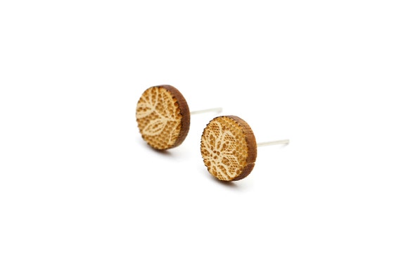 Round studs with lace pattern - mismatched earrings - mini wooden posts - romantic jewelry - lasercut wood - hypoallergenic surgical steel