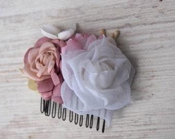 Bridesmaids Hair Accessory, Bridal Flower Comb, White Hair Comb, Rose Headpiece, White Bridal Comb, Bridal Rose Comb