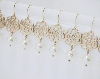 Ivory - Swarovski Pearl - Earrings - Bridesmaid Gift - Gold Flower