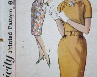 1960s Wiggle Dress Sewing Pattern /Simplicity 4939 / Bust 35 Vintage Pattern