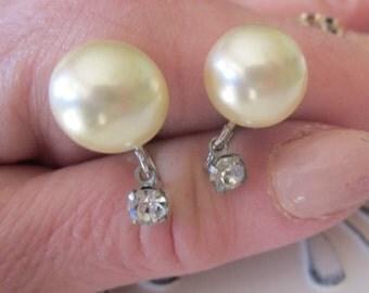Vintage 1950's Marvella Cream Pearl and Rhinestone Screw Back Earrings in Silver Setting, Designer Marvella Earrings, Wedding, Bridal, Gift