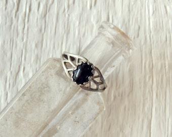 Black Onxy Ring/Black Gemstone Ring/Cocktail Ring/Sterling Silver Filigree Ring/Natural Stone/Minimalist/Boho/Ethnic/Indie/Chic/Gypsy/Goth