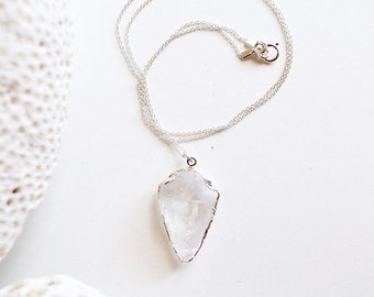 crystal quartz silver necklace  ///  arrowhead layering necklace /// everyday minimalist jewelry