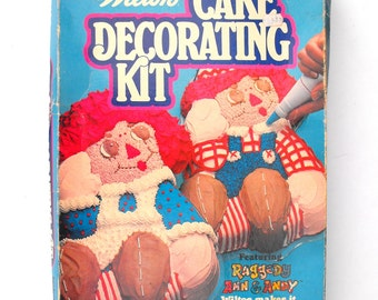 1977 Raggedy Ann & Andy Wilton Cake Decorating Kit Johnny Gruelle Rag Doll Childs Birthday Party Baking Pan Instruction Booklet Original Box