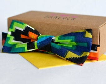 Aztec fabric bowtie - Adjustable - Unisex