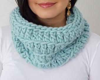 OLIVIA Chunky Wool Cowl / Robin Egg Blue