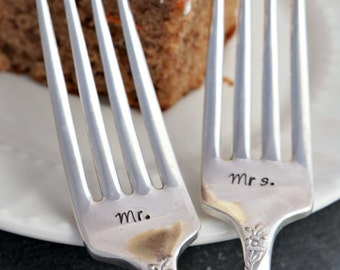 Stamped Wedding Forks, Mr. & Mrs., Wedding Fork Set, Custom Wedding Forks, Engagement Gift, Bridal Shower Gift, Wedding Gift, Stamped Forks