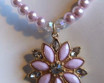 Swarovsky pearls and crystal pendant 0400NK