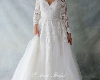 Retro Design Simple Elegant Long Sleeve French Lace V-Neck Wedding Dress Absolutely Loaded with Bling