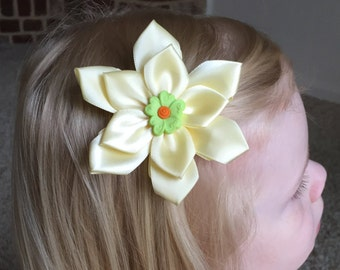 Yellow Ribbon Girls Hair Clip, Hair Bow, Green Flower Button, Kanzashi