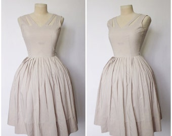 Vintage 1950s Dress | 50s Dress | 50s Gingham Dress | Cut Out Dress | 50s Dress | White and Tan Gingham Dress | XS - S