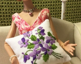 1:6 scale embroidered pillow for Barbie & fashion dolls
