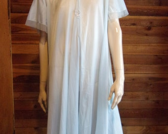 Vintage Lingerie 1960s ROGERS RUNPROOF Blue Size Small Peignoir or Robe