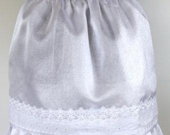 Ladies entertaining white half apron - Snow Drift