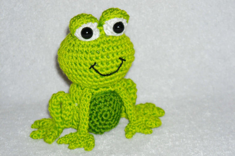 Kawaii Frog Amigurumi : Crochet frog little green frog amigurumi frog by innakozachuk
