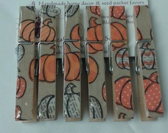 Set of 6 Fall/ Halloween pumpkins clothes pin magnet clips. Decoupaged clothes pins. Refrigerator magnets.