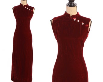 1960s Blood Red Velvet Oriental Cheongsam Sleeveless Rhinestone Detail Floor Length Dress - M