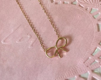 Little Rose Gold Bow Necklace