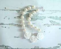 Ivory Rose Chunky Bubblegum Necklace - Ivory Chunky Necklace Chunky Bubblegum Bead Necklace-Pearl Baby Necklace-Chunky Jewelry