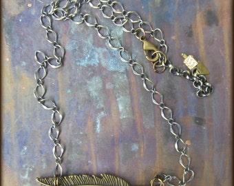 Simple Brass-clad Feather Pendant Necklace