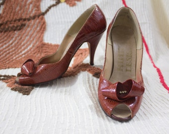 60s Leather Heels | Orange Leather Heels | 60s Red Heels | 60s Leather Pumps | 1960s Orange Heels | 60s Kitten Heels | 60s Red Pumps | 5 US