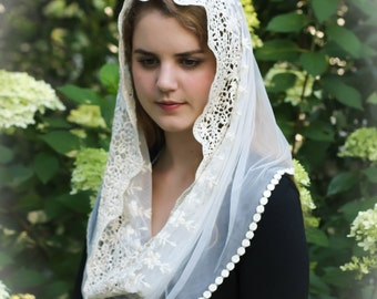 Evintage Veils~ Ivory Lace French Chapel Veil Mantilla Head Covering Latin Mass Infinity Veil