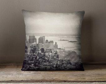 New York pillow case, New York pillow cover, retro cushion, NYC pillow, throw pillow, vintage throw pillow, Manhattan pillow, pillows
