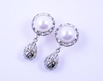 5/8 9/16 1/2 1 PAIR White Pearl Silver Dangle Plugs Gauges Tunnels or Studs Silver Filigree Drop Clear Rhinestones Bridal Wedding Plugs