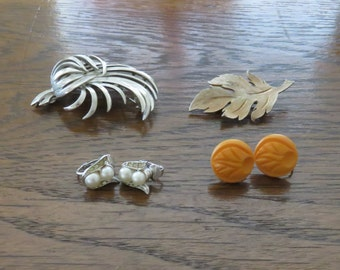 Vintage Costume Jewelry, brooch, clip earrings-free shipping USA
