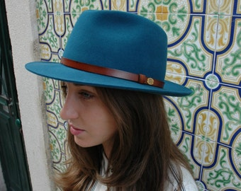 Fedora slyle - Teadrop crown - Leather band - Handmade in any color
