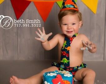 Boy Cake Smash Outfit, Dinosaur Cake Smash, Cake Smash Outfit, Boys 1st Birthday, Birthday Outfit, Boys Birthday, Photo Prop