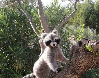Raccoon - Large needle felted Raccoon