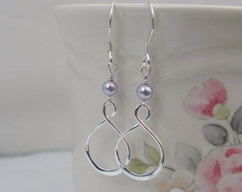 Lavender Pearl Infinity Earrings in Sterling Silver, Infinity Wedding Jewelry, Bride or Bridesmaid Earrings,Bridal Jewelry,Lavender Earrings