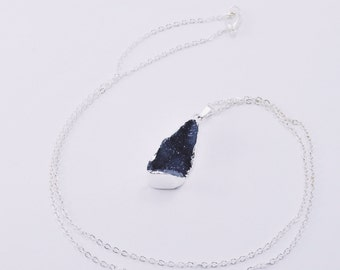 THYST Crystal Necklace - Silver-Dipped Natural Druzy Geode