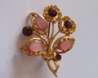 Vintage 1960s Lucite Flower Brooch