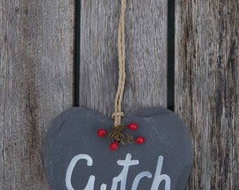 Cwtch Slate Heart - Stocking filler, Slate hearts, Christmas decoration, Welsh gift, Wales, Welsh, Cwtch, Cuddle, Wedding gift, Gift for her