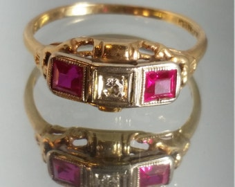 14K Solid Yellow Gold Diamond and Ruby Art Deco Filigree Ring Vintage