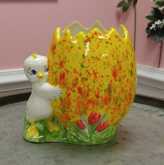 Vintage Ceramic Easter Egg Candy Dish