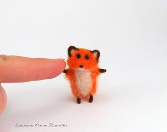 Tiny fox, Needle Felted fox, Needle Felted Animal, Woodland Animal, foxl for dollhouse, miniature fox, mini fox, tiny red fox needle felted