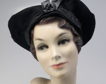 1930s Black Felt Ladies Hat by Germaine