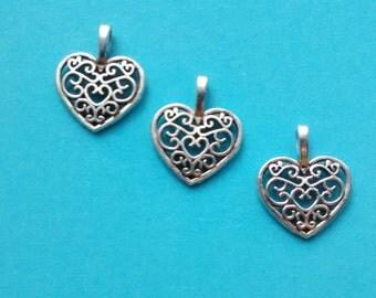 10 Heart Hollow Charms Silver  - CS2035