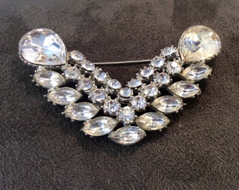 Vintage V for Victory Clear Rhinestone Pin 1940s WWII Sweetheart Crystal Brooch