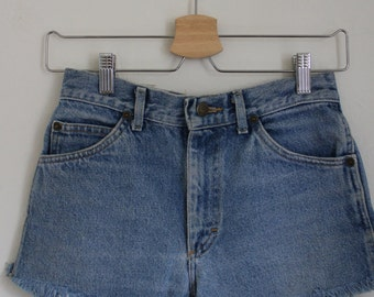 VINTAGE DENIM CUTOFFS
