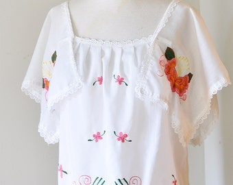 Vintage Handmade Boho Mexican Style Embroidered Blouse