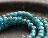Blaue Bits - Glas Rocailles Perlen, opak und Transparent blau türkis, Picasso-Finish, Trica Schnitt Perlen 4x3mm - Pc 50